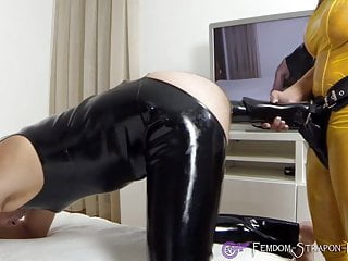 Anal fisting strapon femdom clips Mistress angelina strapon fucks sub with cock-dildo