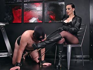 Femdom bootlicking - Femdomlady and bootlicking male slave