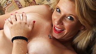 American housewife Jasper Shelton