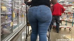 Phat Booty Big Booty Ebony in Levi Jeans