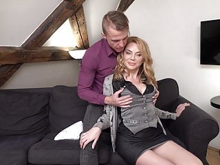 Guy pussy sucking - Mature mom suck and fuck lucky guy