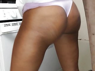Milfs in thongs pictures Gr8 view of phat ass in thongs