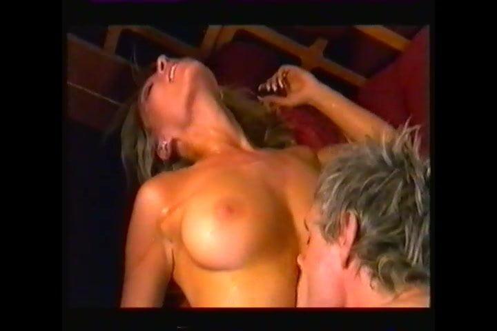 Zoe Lucker Nude