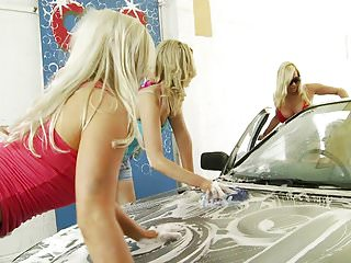 Car in sex wash Michelle, katie cindy fuck with a dildo during a car wash