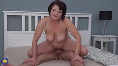 Sexy GRANNIES blow and fuck young boys