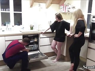 Two German Teeny Pay the Invoice for repairman with Fuck