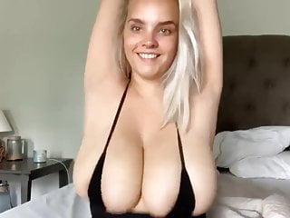 Free giant bouncing tits movies Giant boobs bouncing