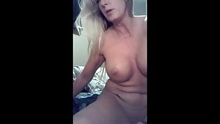 amateur milf masturbating dp selfie