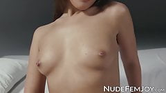 Young beauty is a teaser who loves to play with herself