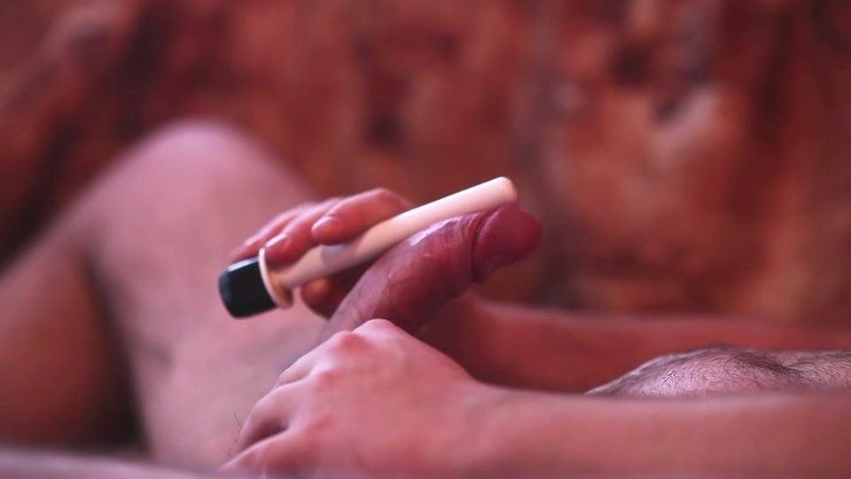 Hands free vibrator cum