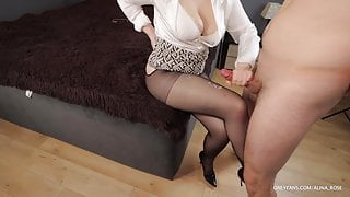 Boss fucks secretary in stockings and high heels and cums on legs