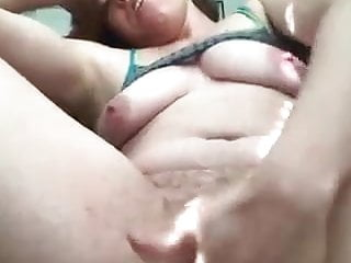 Fuck to squirt - Horny slut finger fucks her wet pussy to squirt