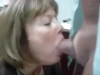 Office slut anal - Mature head 38 office slut doing her job