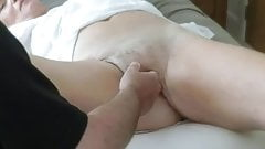 Play with wifes pussy