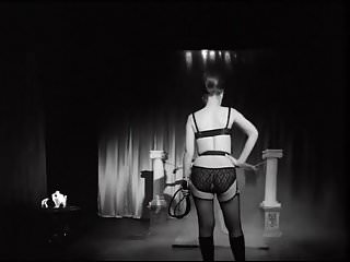 60 s oral sex kittens - Taste the whip - vintage 60s femdom whipping