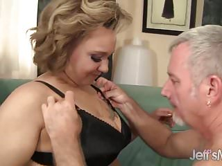 Havoc hailey takes a cock - Chubby babe takes a cock in her puckered asshole