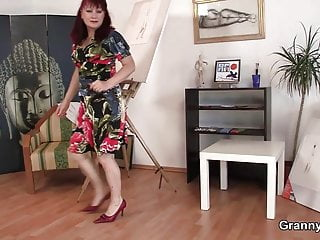 Mature video games - Horny granny games with young guy