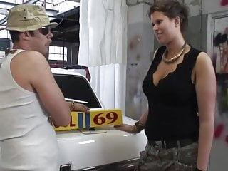 Bbw sex in garage Jody brengt een bezoekje aan de garage