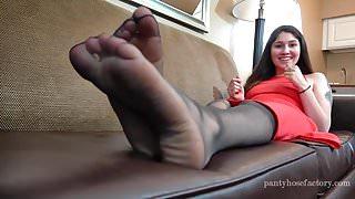Carmen Sheer Pantyhose Foot Play