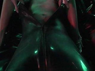 Girl bondage pee - Smothering in het pee