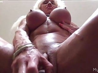 Big clit hairy woman Ashlee chambers her big clit and a dildo