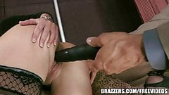 Brazzers - Rhylee Richards - Sex Toys on The Gunn Show