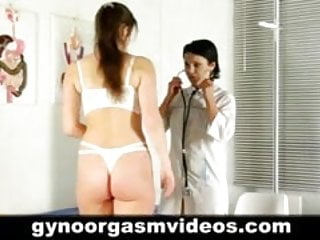 How to give the best female pussy massage - Doctor teach her patient how to reach an orgasm