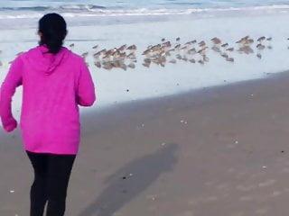 Boobs on the run - Mini richard big boobs pinky in beach run