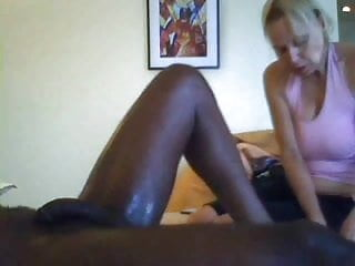 Mature woman giving a wank - White mature woman gives a great massage to bbc