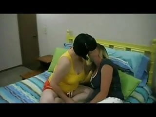 Ika feet chubby bezaire - Horny fat chubby lesbians having fun and feet playing