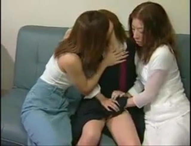 Super Hot Lesbian Threesome