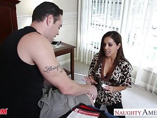 Large milf movie Chesty mom francesca le fucking a large dick