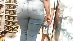 Langer Hintern in Jeans Teil 3