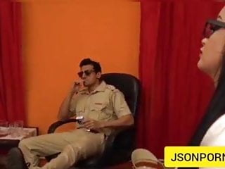 Vibrator diy Hd - police waale ne bhabhi ki choot sooja dii - jsonporn