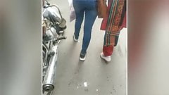 Sexy india madre y hija asswalk
