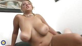 beautiful busty milf gets creampie after sex