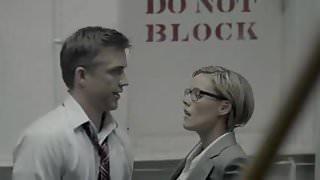 Kathleen Robertson - Boss S01E01
