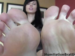 Make your penis hard - Lynn pops feet make your dick hard
