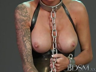 Full screen xxx - Bdsm xxx sexy tattooed slave girl gets mouth full of cock