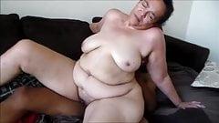 Oma mit einem fetten Arsch wird gefickt