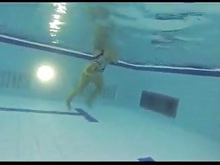 Handjobs and blowjobs get cumshots Handjobs and blowjobs in the swimming pool