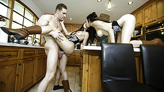 StepSiblings - Southern Stepsisters Share a Massive Cock