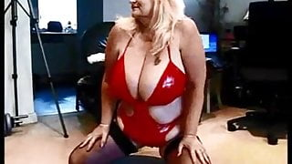 Rochdale MILF escort playing and fucking