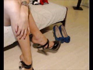 Pornstar showing heels and feet Feet heels and sexy outfit show