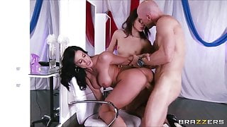 Kendra Lust & Kiera Winters invite Johnny Sins to threesome