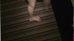 Blonde Hexe wird auf dem Hotelgang gefickt!