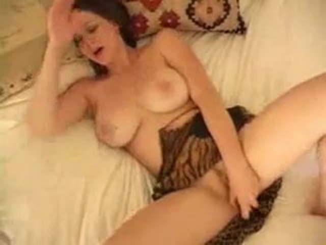 Big Tits Milf Lesbian Strapon