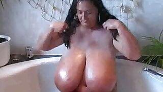 sabrina meloni's big,oiled tits