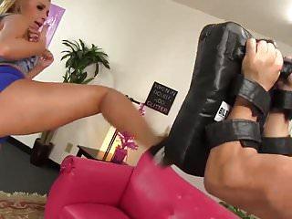 Juicy ass latinas porn - Wankz- muy caliente carmen fucks her juicy ass