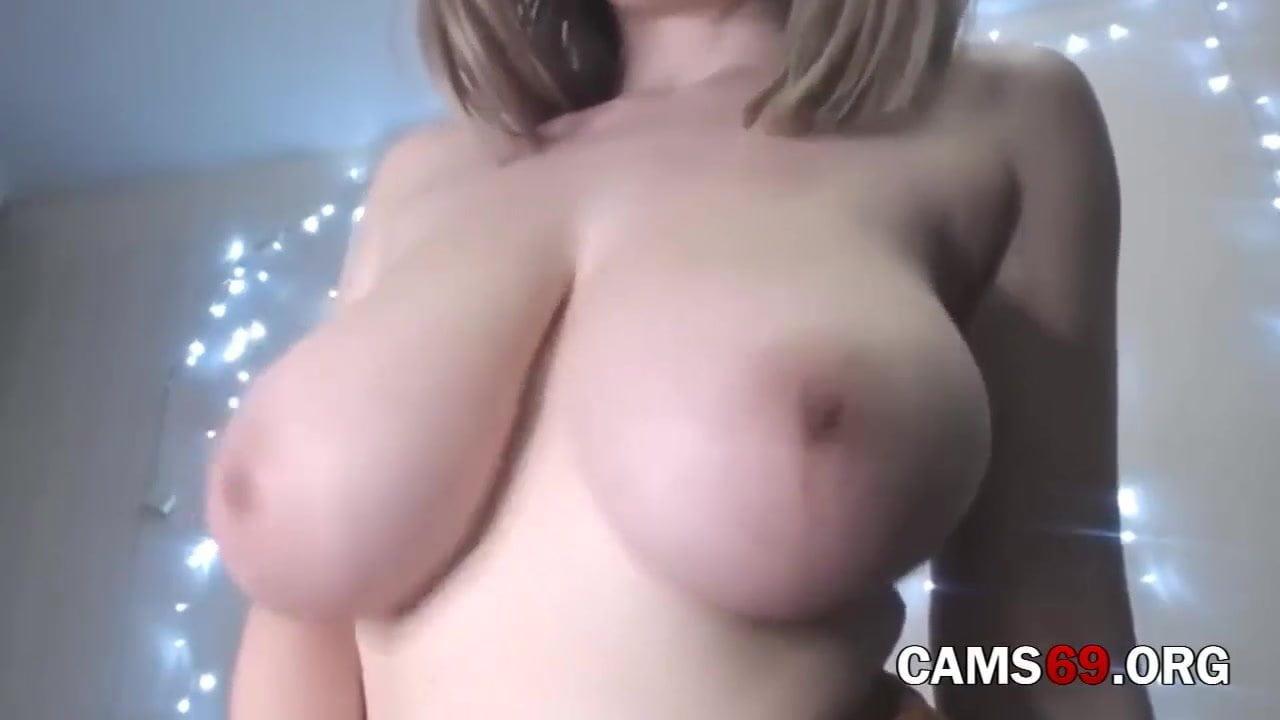 Frau Testet Vibrator